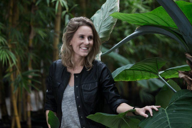 Lisa van Holstein - Pull Position marketingteam in green